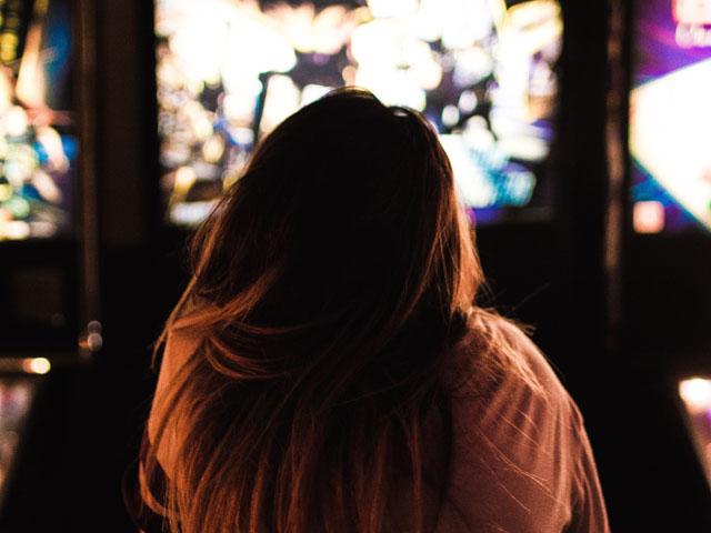 娯楽に関するウェブインタビュー